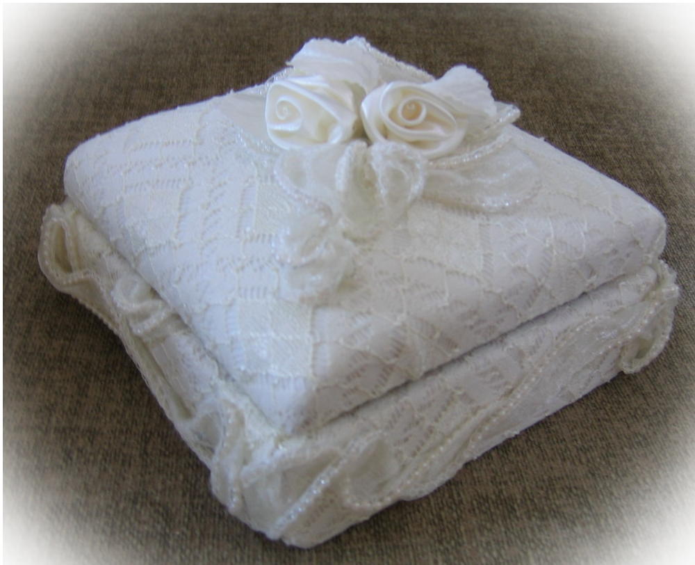 Bridal lace keepsake box
