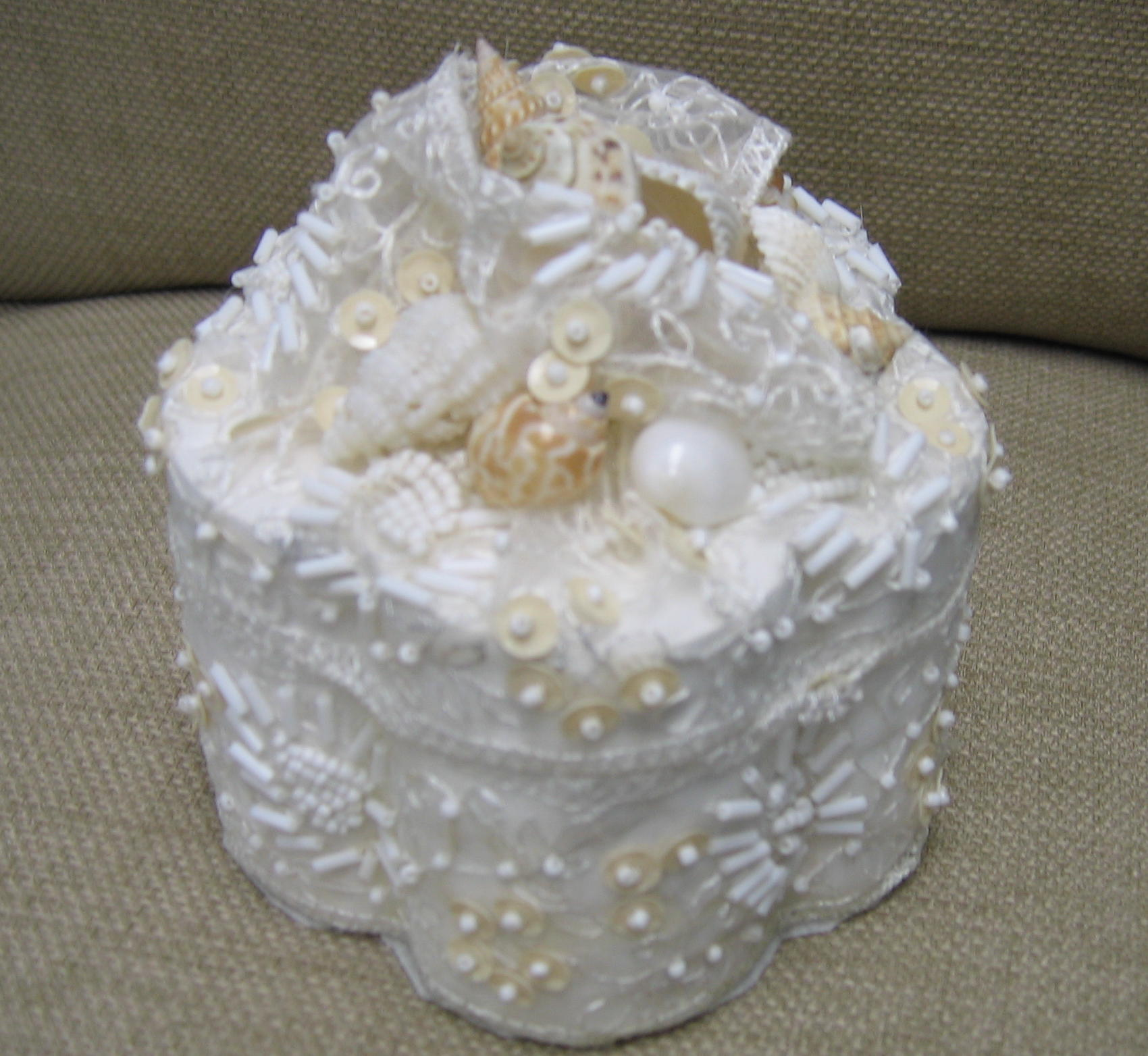 lace and sea shell wedding ring box