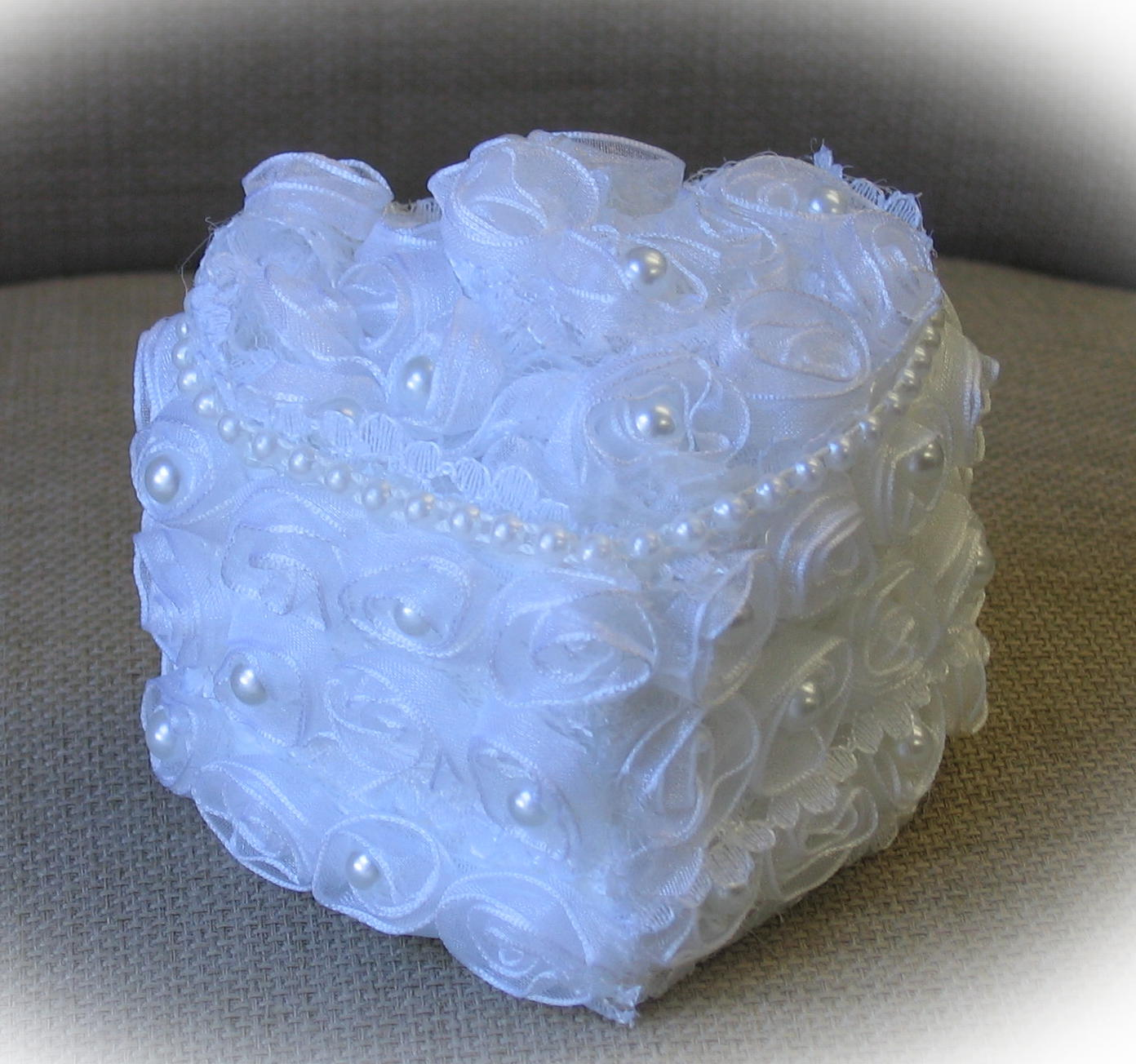tule and pearl heart shaped ring box