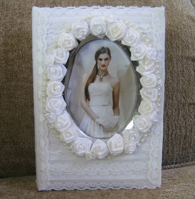 oval roses wedding album