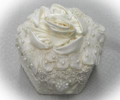 Ivory rose engagement presentation  box