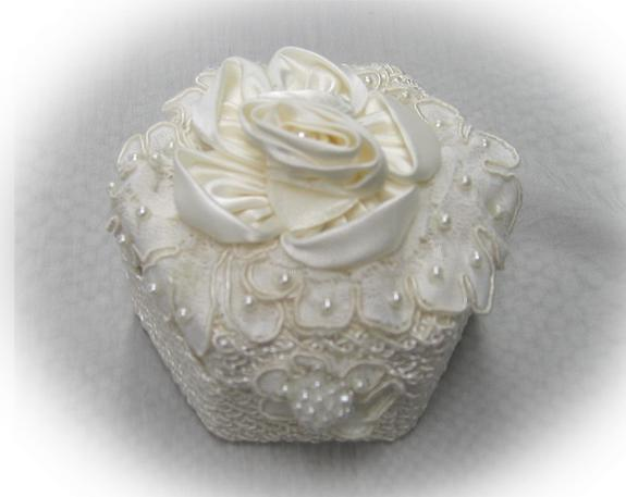 Ivory Rose and Pearl lace wedding ring box